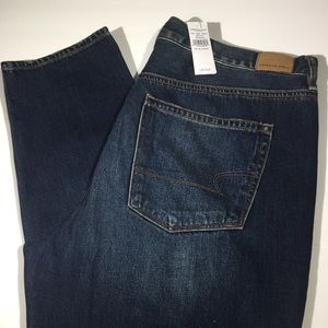 NWT AEO Hi Rise Girlfriend Jeans Womens 18 Short